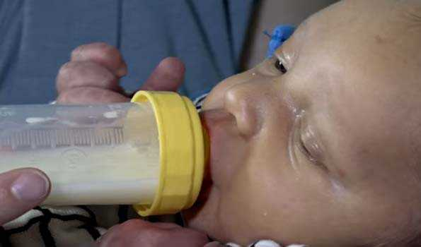 Cup-feeding for low-birth-weight infants unable to fully