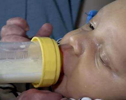 Cup-feeding for low-birth-weight infants