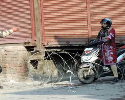 Life comes to a halt in Kashmir due to strike ...