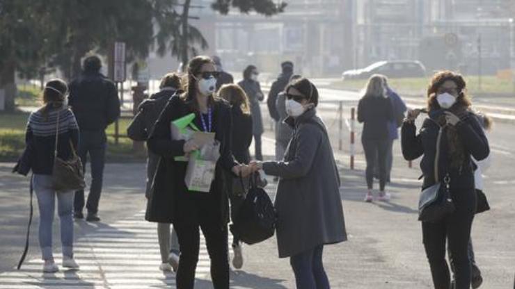 Coronavirus: Italy towns in lockdown, South Korea ...
