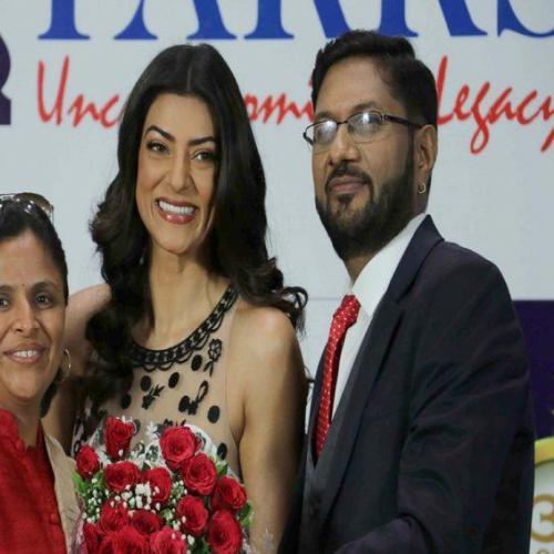Sushmita Sen felicitates Swati Mahadik