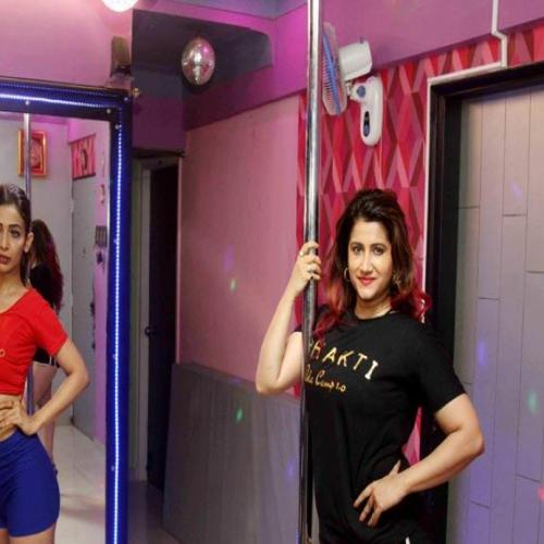 Heena Panchal learning pole dance