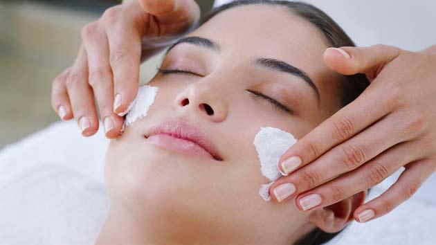 Image result for गर्मियों में भी चाहती हैं दमकती त्वचा, तो अपनाएं ये उपाय