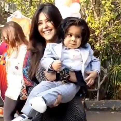 एकता कपूर ने धूमधाम से मनाया बेटे रवि का पहला जन्मदिन, पहली बार दिखा चेहरा