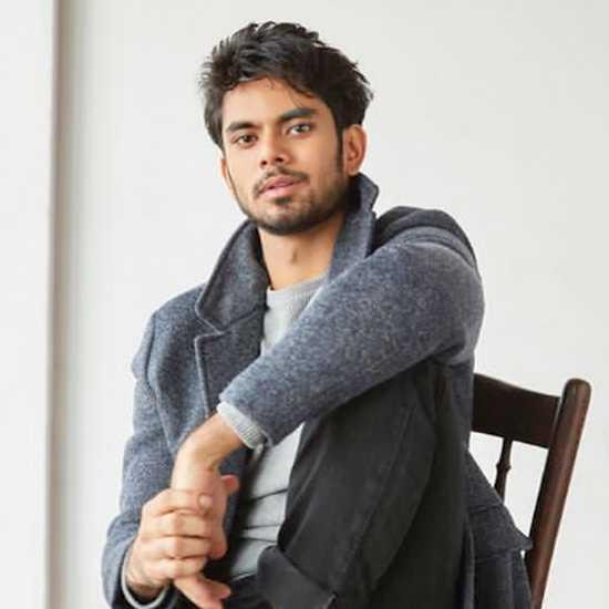 परेश रावल के बेटे आदित्य रावल करने जा रहे फिल्मी डेब्यू, जी5 की 'बमफाड़' में आएंगे नजर