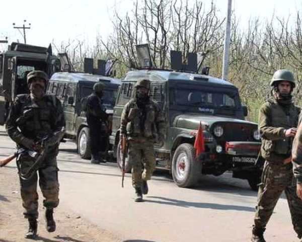 LoC पर भारत-पाक सेनाओं में घमासान, 6 पाक सैनिक मार गिराए, आतंकी खदेड़े