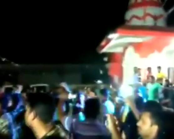 खूनी मुठभेड़ के बाद पुलिस जवानों ने सपना चौधरी के गाने पर किया डांस (वीडियो)