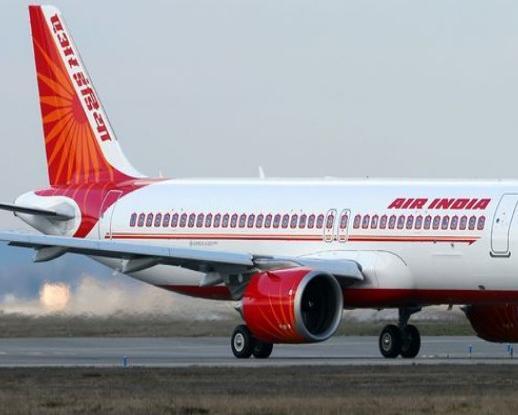 143 यात्रियों को लेकर जा रहे एयर इंडिया के विमान को आपात स्थिति में मुंबई में उतारा