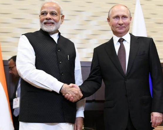 पुतिन व मोदी ने सैन्य, तकनीकी तथा आर्थिक सहयोग पर की बातचीत, रक्षा संबंधों को प्रगाढ़ बनाए रखेंगे