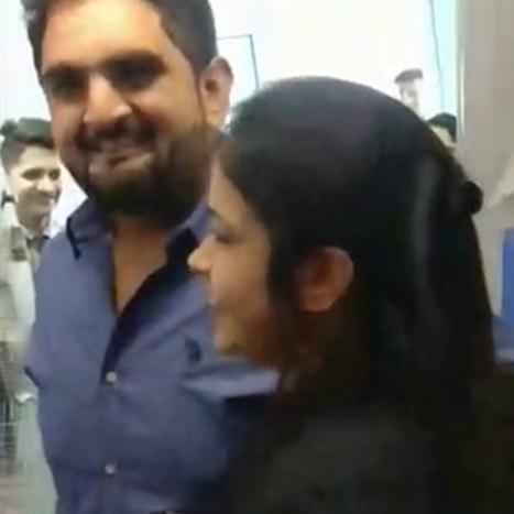 विमान के उड़ान भरने से पहले युवक ने की उद्घोषणा, 'मुझसे शादी करोगी'