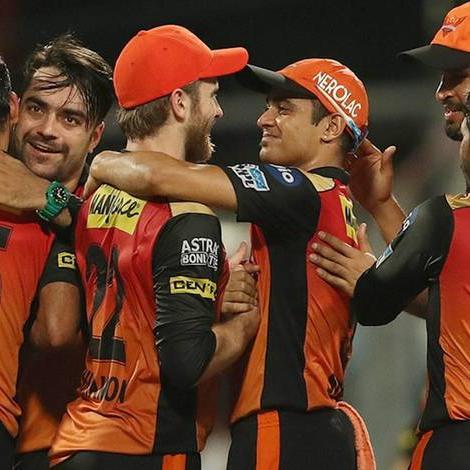 आईपीएल 2018 : कोलकाता को 13 रन से हराकर हैदराबाद दूसरी बार आईपीएल के फाइनल में, राशिद ने 19 रन देकर लिए 3 विकेट