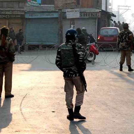 भारत ने कश्मीर में सीज़फ़ायर को आगे नहीं बढ़ाने का फ़ैसला क्यों लिया?