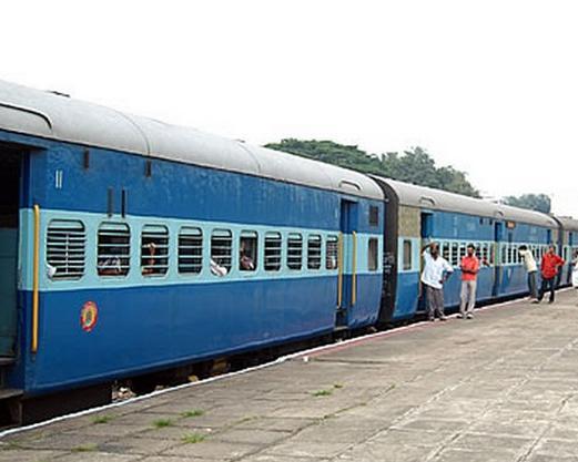 खुशखबर, अब कम भीड़ वाली ट्रेनों में मिलेगी 10% तक छूट