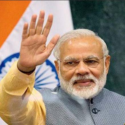 प्रधानमंत्री मोदी को जन्मदिन पर 'कॉफी टेबल बुक' का तोहफा