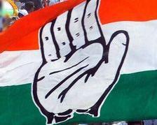 गोवा में सियासी उठापटक, कांग्रेस ने किया सरकार बनाने का दावा