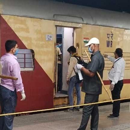 प्रवासी मजदूरों की मददगार बनीं श्रमिक स्पेशल ट्रेनें, 26 दिन में 42 लाख को पहुंचाया घर
