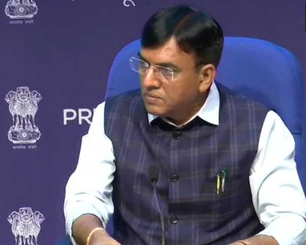 Corona Vaccine: राहुल गांधी पर केंद्रीय स्वास्थ्य मंत्री का पलटवार, कहा- जुलाई में जिन 13 करोड़ लोगों को टीके लगे, उनमें से आप भी एक