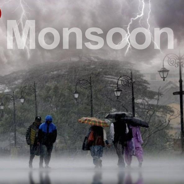 Monsoon में कैसे रखें खुद को सुरक्षित, पढ़ें 10 काम के टिप्स