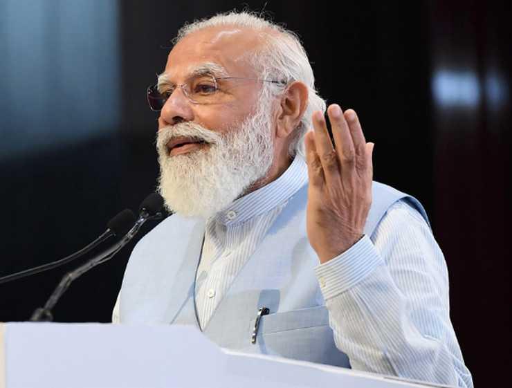 जश्न से नहीं भरेंगे जख्म, कांग्रेस का PM मोदी से सवाल- 70 दिनों में कैसे दी जाएगी 106 करोड़ लोगों को खुराक