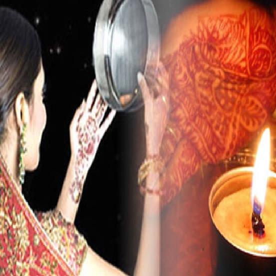 Karwa Chauth Fashion Tips : करवा चौथ पर Red Outfit के साथ पाएं एकदम परफेक्ट लुक