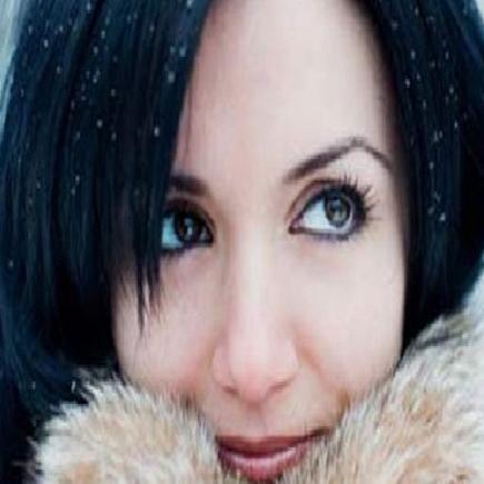 Winter Tips : सर्दियों से बचाव के लिए घर पर ही तैयार करें मॉइश्चराइजर