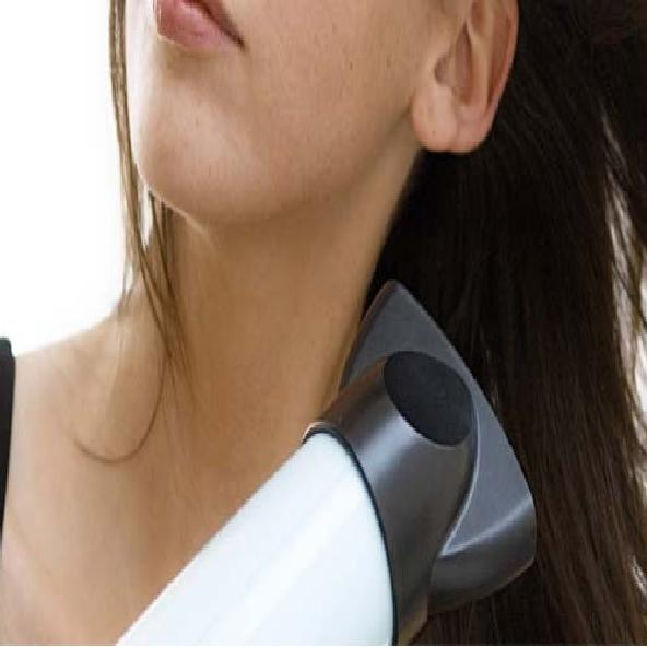 Hair Care :  हेयर ड्रायर का करते हैं इस्तेमाल तो इन 7 टिप्स का भी जरूर रखें ख्याल