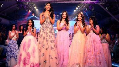 'इंडिया किड्स फैशन वीक' में पहुंचे कई सितारे