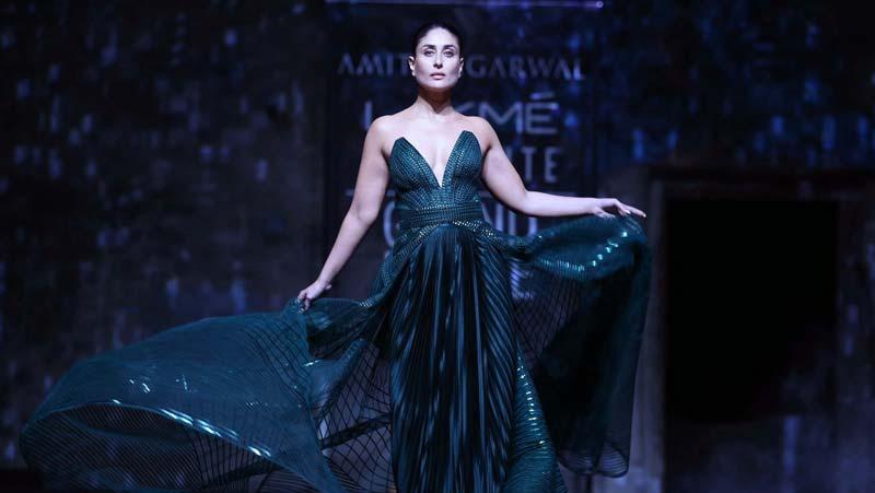 लक्मे फैशन वीक के ग्रैंड फिनाले में करीना कपूर का जलवा