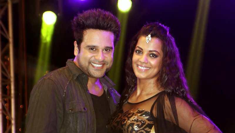 कॉमेडी फिल्म 'शर्मा जी की लग गई' के लिए गाने की शूटिंग