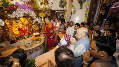 अमित शाह पहुंचे मुंबई के सिद्धिविनायक मंदिर