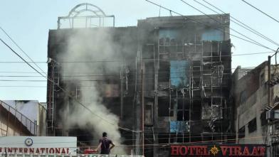 लखनऊ के विराट होटल में लगी भीषण आग
