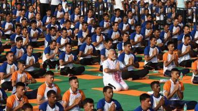 देहरादून में 50 हजार लोगों के साथ PM मोदी ने किया योग