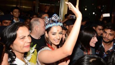 भारत लौटीं मिस वर्ल्ड मानुषी छिल्लर, मुंबई एयरपोर्ट पर जबरदस्त स्वागत