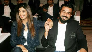 'इंडियन पोकर लीग' की लांचिंग में पहुंचे शिल्पा-राज कुंद्रा