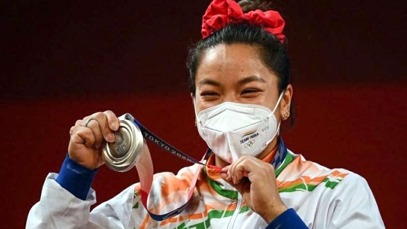 टोक्यो ओलंपिक 2020: मीराबाई चानू ने जीता रजत पदक