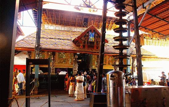 thrissur, guruvayur, mahavishnu, mammiyur, krishnanattam, karnataka sangeetham, majulal, kesavan, sreekishnan തൃശ്ശൂർ, ഗുരുവായൂര്, മഹാവിഷ്ണു, മമ്മിയൂര്, കൃഷ്ണനാട്ടം, കഥകളി, കര്ണാടകസംഗീതം, മഞ്ജുളാല്, കേശവന്, ശ്രീകൃഷ്ണന്
