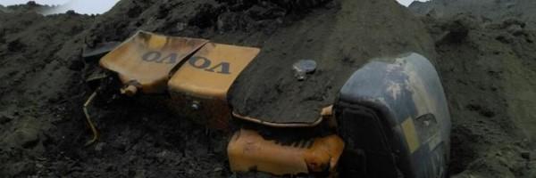 jharkhand mine collapse, Jharkhand, inside mine, coal mine collapsed, Bihar, 50 peple feared trapped, 40 vehicles trapped ധന്ബാദ്, ജാര്ഖണ്ഡ്, കല്ക്കരി ഖനി, അപകടം