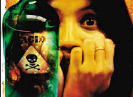 Acid attack , bangalore , Lover , Acid , police , girl friend , boy friend , lidiya , jayakumar , ലിഡിയ , ജയകുമാര് , ആസിഡ് ആക്രമണം , ആസിഡ് , പൊലീസ് , ആശുപത്രി , പ്രണയം , സ്നേഹബന്ധം
