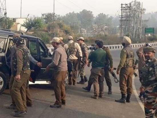 Militant attacks , kashmir , Jammu , kashmir , pakistan , india , police , പൊലീസ് , അറസ്റ്റ് , കശ്മീര് , പൊലീസുകാര് കൊല്ലപ്പെട്ടു