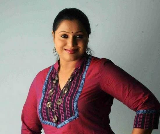 Lakshmipriya , Dileep , Amma , women's collective , actress attack , ലക്ഷ്മിപ്രിയ , ദിലീപ് , അമ്മ , വിമെന് ഇന് സിനിമാ കളക്ടീവ് , കൊച്ചി