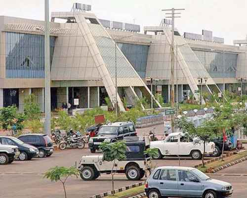 Runway, Karippur Airport, Calicut Airport , കരിപ്പൂര് എയര്പോര്ട്ട് , കരിപ്പൂര് ,  വിമാനത്താവളം