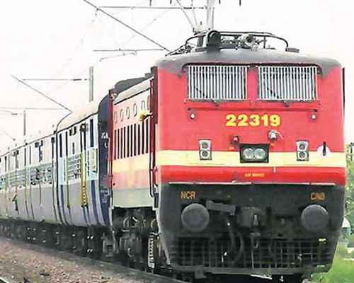 MEMU, passenger train , train , Indian railway , ട്രെയിന് , റെയില്വെ  , മെമു , പാസഞ്ചര് ട്രെയിന്
