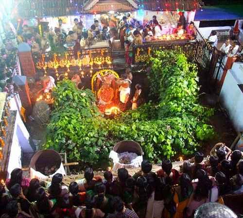 panachikkad temple , athmiyam, mukambika temple , പനച്ചിക്കാട് ,  മതം ,  ആത്മീയം ,  മൂകാംബിക ക്ഷേത്രം