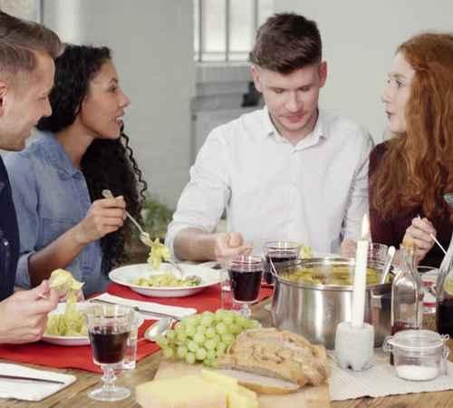 Guest , Home , House , Friends , Relatives , Marriage , അതിഥി , ആതിഥേയര് , വീട് , ഫ്രണ്ട്സ് , സൌഹൃദം, ബന്ധു , ഭവനം