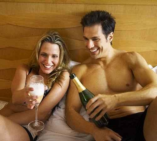 first night , bed room sex, bed room , sex , couples , couple share beer in bed room ,  ആദ്യരാത്രി , പാല് കുടിക്കുന്നത് , ആദ്യരാത്രിയില് പാല് ,ലൈംഗികശക്തി , ബിയര്