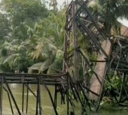 bridge , bridge collapsed ,  kmml , കെഎംഎംഎല് , പാലം ,  അപകടം ,  പരുക്ക്