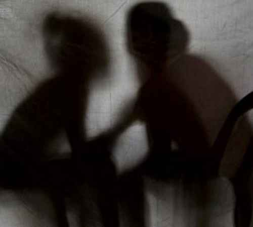 rape , police , arrest , death , kozhikode , റേപ്പ് , പൊലീസ് , പീഡനം , യുവാവ് , ഓസ്റ്റിന്