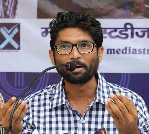Jignesh Mevani , Gujarat Elections , ജിഗ്നേഷ് മേവാനി , ദളിത് ലീഡര് , ബിജെപി , കോണ്ഗ്രസ്