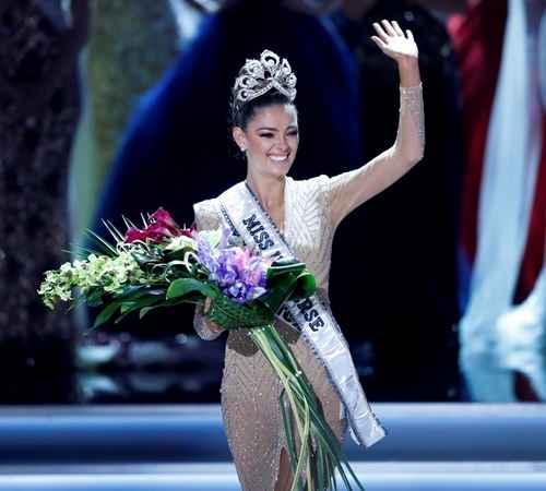 Demi-Leigh Nel-Peters , Miss South Africa , Miss Universe 2017 , വിശ്വസുന്ദരി , മിസ് സൗത്ത് ആഫ്രിക്ക , ഡെമി ലെ നെല്പീറ്റേഴ്സ്