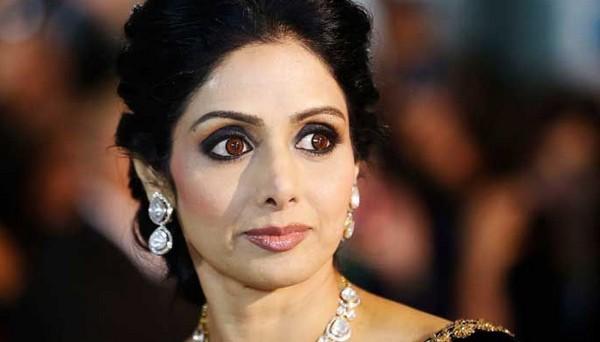 Veteran actress Sridevi , Sridevi passes away , cardiac arrest , Dubai , Cinema , Dubai , ഇന്ത്യൻ സിനിമാ , ബോളിവുഡ് , ശ്രീദേവി , ശ്രീദേവി അന്തരിച്ചു , ബോണി കപൂർ, ഇളയ മകൾ ഖുഷി